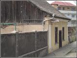 """Photo: 2015 -  """"Calea Victoriei, lângă """"Alegria"""". Proprietate a Fam Bocoș, în acest local a funcționat popicăria Fabricii de Sticlă. Din anii 50 până în anii 70 ai secolului trecut aici a fost un atelier de reparații încălțăminte. După 1990, bineînțeles, aici s-a deschis o crâșmă cu pretenții de bar, pentru câțiva ani."""" sursa foto si info Suciu Petru https://www.facebook.com/photo.php?fbid=876213802451915&set=a.479758302097469.1073741832.100001899101978&type=1&theater"""