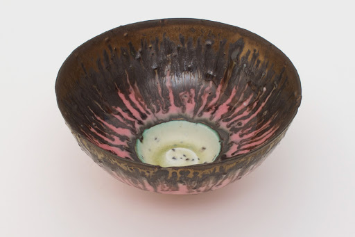 Peter Wills Grogged Porcelain Bowl 084