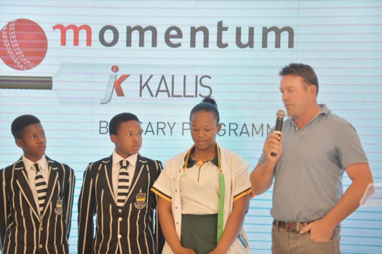 Jacques Kallis and young cricket players during the Momentum Season Briefing at Momentum Offices on September 12, 2017 in Pretoria, South Africa.