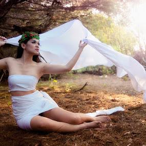 Fairy Girl by Yanuar Nurdiyanto - People Fine Art ( model, fashion, girl, female, indonesia, art, beauty, nikon )