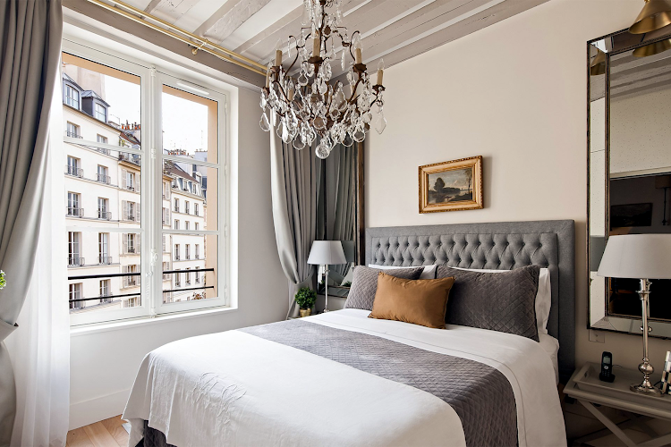 Bedroom at Castillon - Place Dauphine