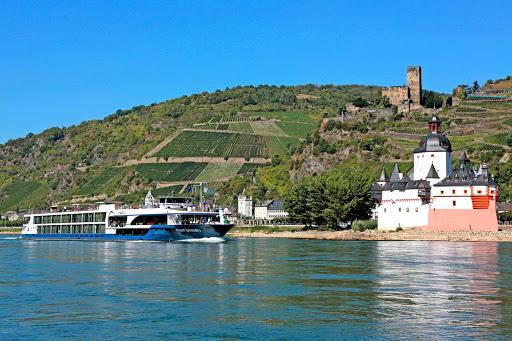 Avalon-Artistry-II-Germany-Rhine-Kaub.jpg - Avalon Artistry II sails the Rhine River through Kaub, Germany.