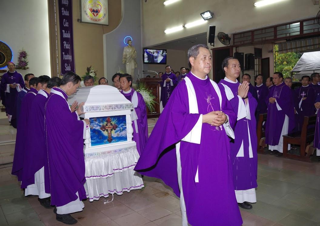 Thánh lễ an táng Cha Giuse Trần Ngọc Tâm - Chánh xứ Xuân Đức - Ảnh minh hoạ 35
