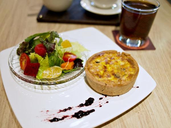 月霞 Waha Cafe