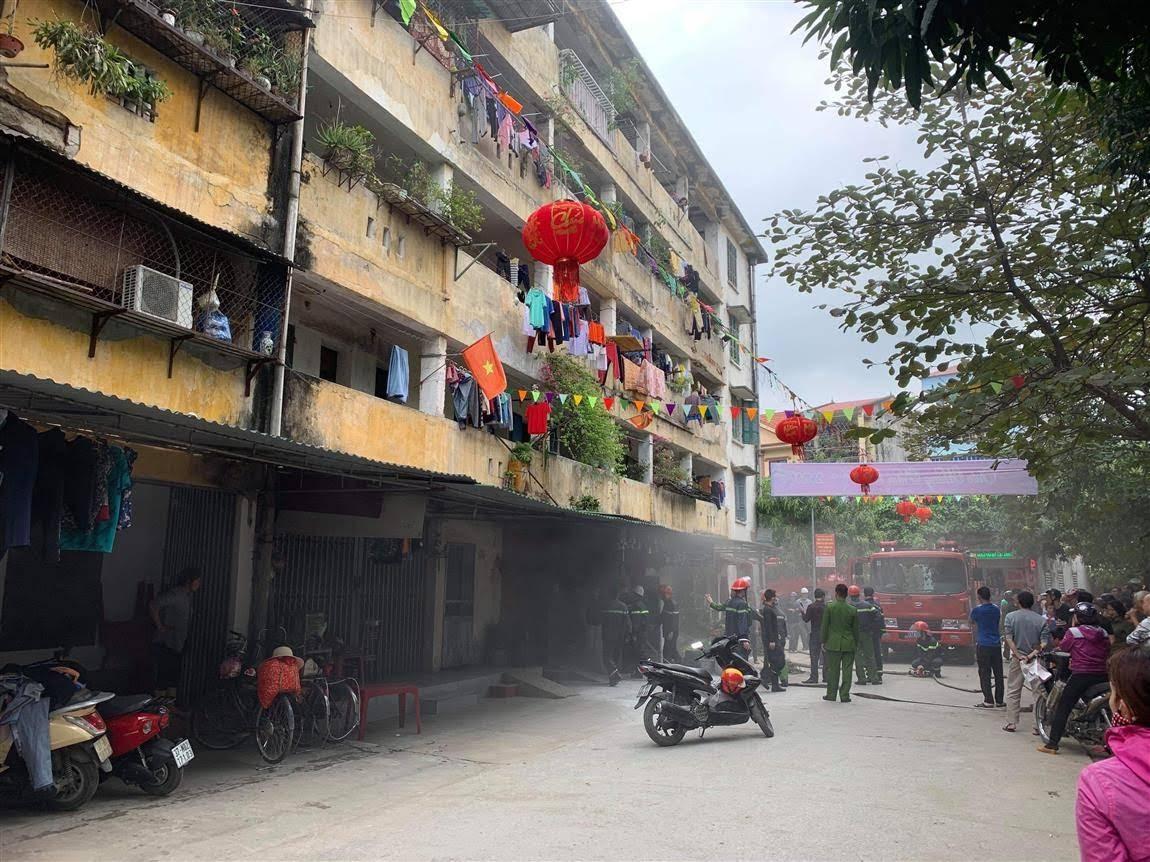 Nhà A2 khu tập thể Quang Trung