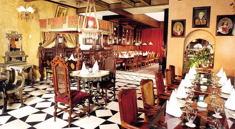 top-theme-restaurants-delhi-ncr-chorbizzare1