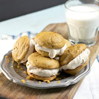 Pumpkin Spice Whoopie Cookies