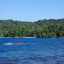 Banana Boat by Mulawardi Sutanto - Transportation Boats ( mantap, banana boat, beach, pangandaran, ciamis, travel, boat )