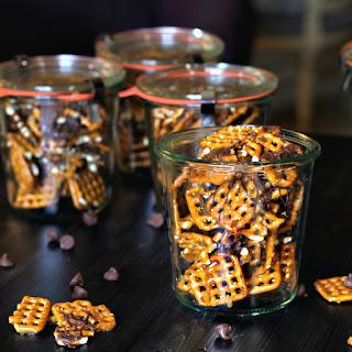 Simple Chocolate Caramel Pretzel Treat