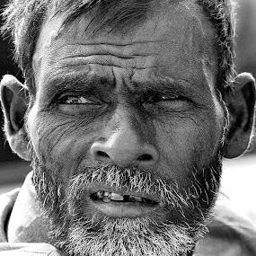by Sudipta Dutta  Chowdhury - People Street & Candids