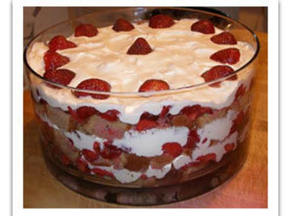 Danielle's Strawberry & Pinnapple Pudding Trifle