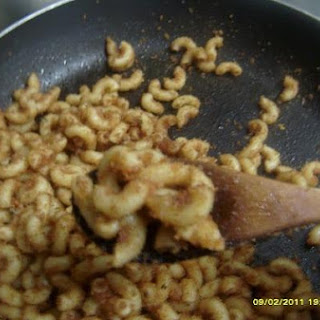 Elbow Macaroni With Toasted Breadcrumbs