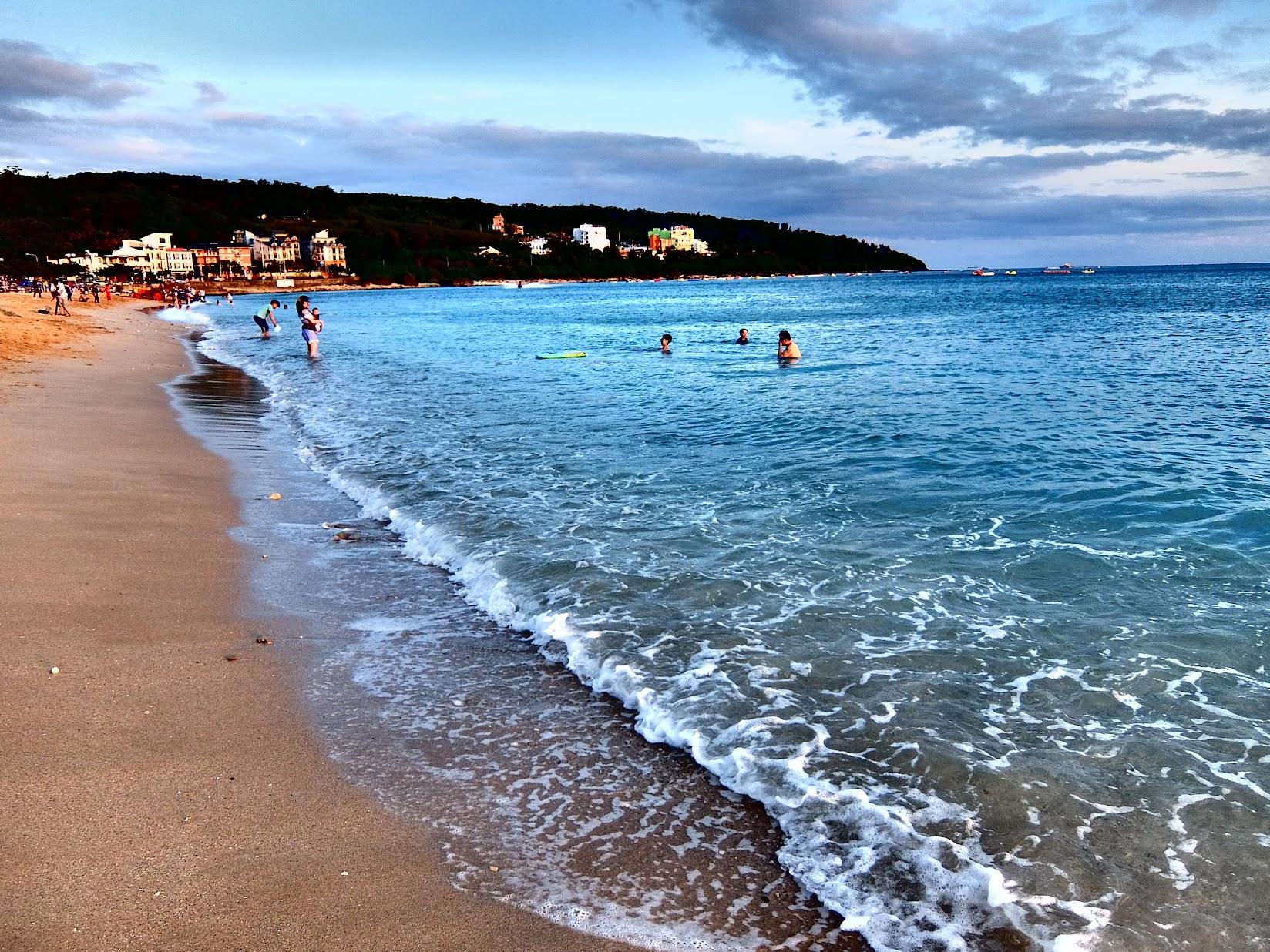 傍晚時分,天氣還是很棒,海浪還是漂亮..