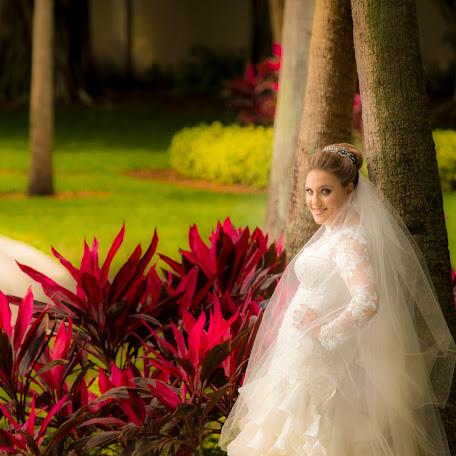 Wedding photographer Markos Leave (MarkosLeave). Photo of 21.04.2016