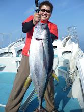 Photo: ドカーン! キハダマグロ!12.6kg!恵丸新記録です! ・・いのまたさん 釣すぎ! からだが大きいから、魚が重量より小さく見えますなー!