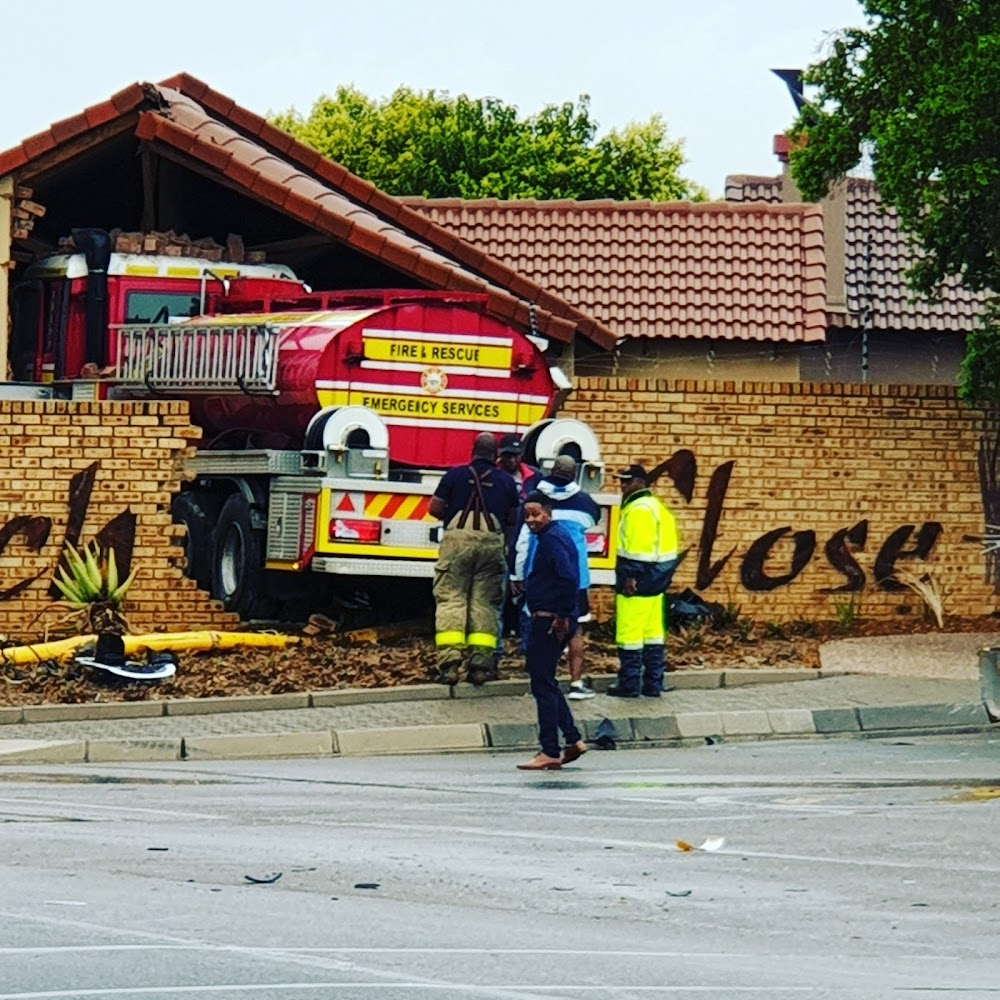 Fire truck responding to emergency ploughs into Centurion house - SowetanLIVE