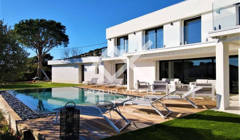 Villa avec piscine et jardin Cavalaire-sur-Mer
