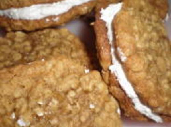 Homemade Little Debbie Oatmeal Cream Pies Recipe