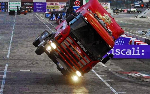 Esibizione camion di GraphicGragiti