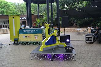 Photo: Montando el escenario para pedalear
