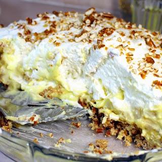 Mile High BANANA CREAM PIE With Pretzel Crust