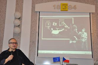 Photo: Vladimír Merta, Vlasta Třešňák, Jaroslav Hutka, Dáša Voňková-Andrtová, Petr Lutka, Lubomír Houdek, Petruška Šustrová - Studentská minikonference Šartán - Gymnázium Uherské Hradiště (čtvrtek 1. listopad 2012).