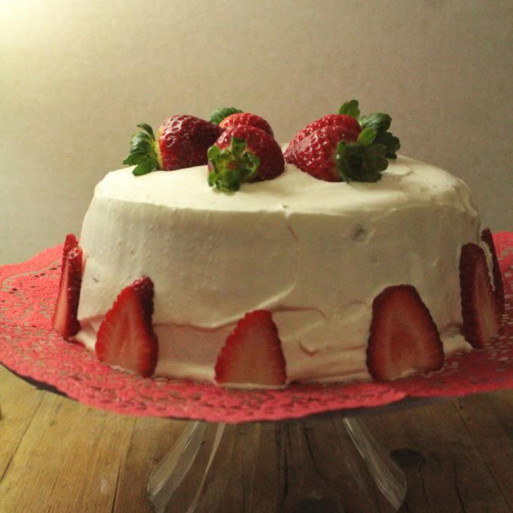Strawberry and Cream Layer Cake Recipe