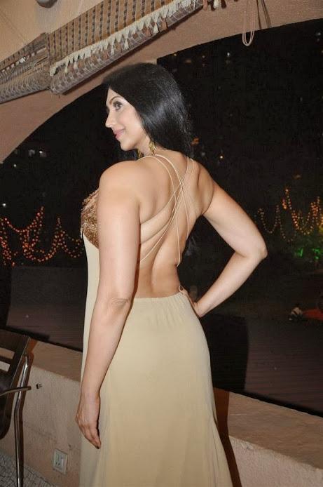 Kalpana Pandit sexy back