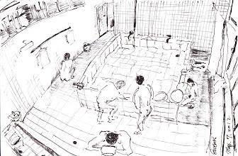 Photo: 炊場的浴室2012.05.07鋼筆 監獄各個單位的浴室都有一個這樣的蓄水池,用來供應數十至上百收容人洗澡之用,每次看他們一瓢一瓢地沖澡,我就會想,要是改成蓮蓬頭,一年下來不知可以幫國家省下多少錢…