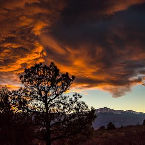 A Colorado Sunset by Andrew Brinkman - Landscapes Sunsets & Sunrises ( mountains, sky, color, sunset, colorado, drama )