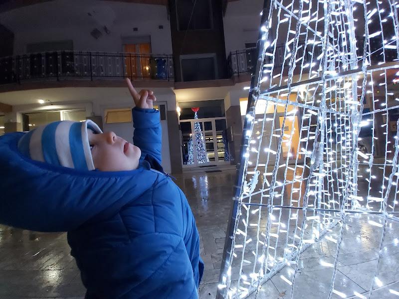 Guarda mamma Un albero super luminoso di Didi - Diana Gabrielli