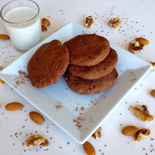 Crispy Chocolate and Nuts Cookies
