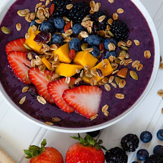 Summer Berry Smoothie Bowl.