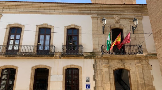 Banderas a media asta en Vera por el fallecimiento del exconcejal José Fernández
