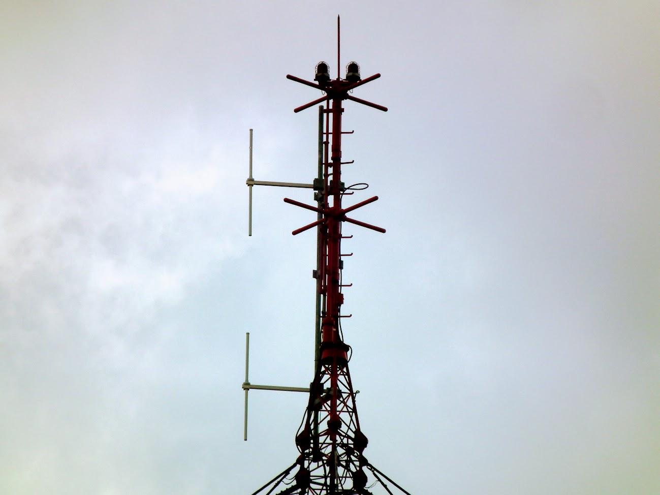 Muraszombat 1 - helyi URH-FM adóállomás+középhullámú (KH) adó
