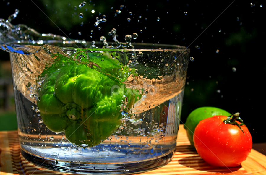 Splashing Green Pepper,tomato and lime. by Dipali S - Food & Drink Fruits & Vegetables ( splash, tomato, vegetables, lime, green pepper, pwcvegetables )