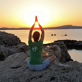 Sunset yoga by Svetlana Saenkova - Sports & Fitness Other Sports ( sunset, yoga, bokeh,  )