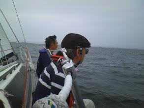 Photo: 先々週の上架で船底前半を磨いた成果か、快調な走り!