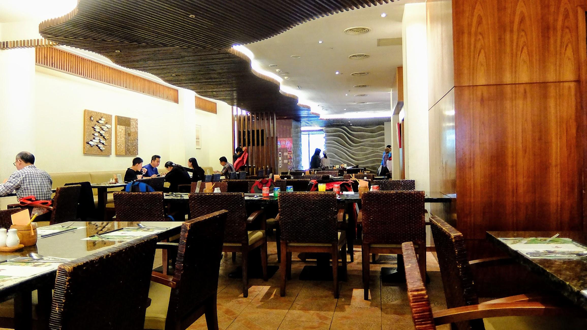 餐廳內一景,因為是過年期間,所以每一桌都是預約桌