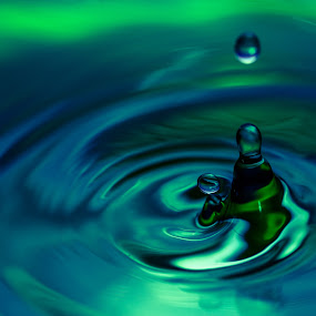 Green n Blue  by Danny Andreini - Abstract Water Drops & Splashes