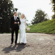 Wedding photographer Olya Poduta (olavolina). Photo of 07.08.2018