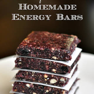 Date And Cashew Bars Recipes.