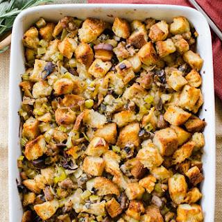 Sourdough Thanksgiving Stuffing