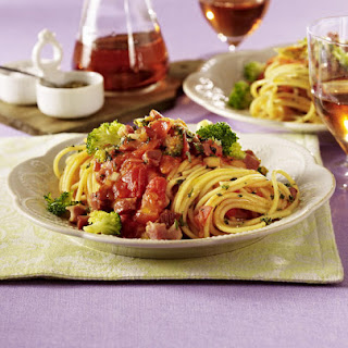 Spaghetti with Bacon and Broccoli