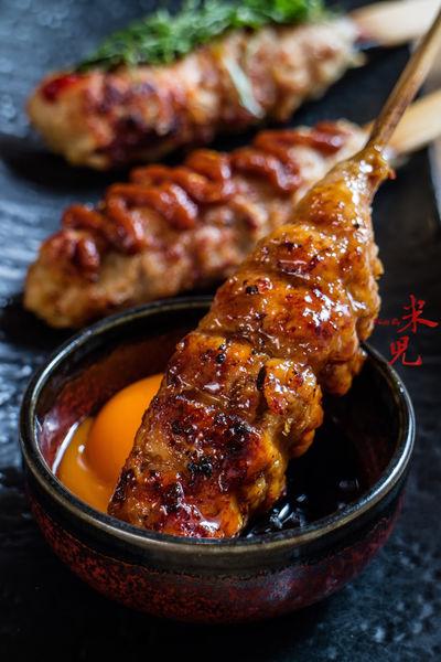 鳥丈爐端燒。捷運忠孝新生站-船槳送菜VS稻草燒烤秀,美味串燒與女性特質的創意和食