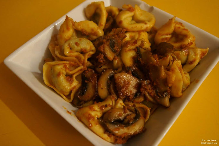 Tortellini met champignons en pesto (Le petit requin)