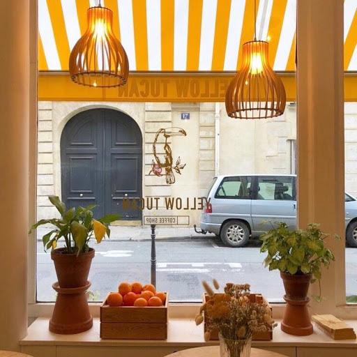 Yellow Tuacn Coffee Shop