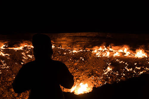 How to Travel Turkmenistan: Transit Visa 5-Days Itinerary // Darvaza Gates of Hell Turkmenistan Fire Pit