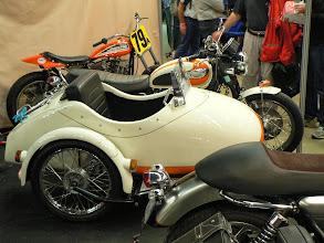 Photo: Side attelé à une Triumph par CS concept