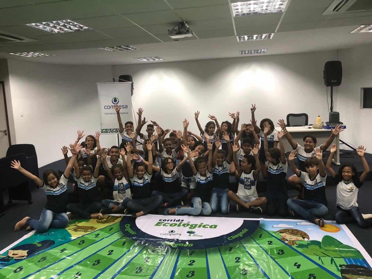Compesa e BRK Ambiental premiam escola de Jaboatão dos Guararapes